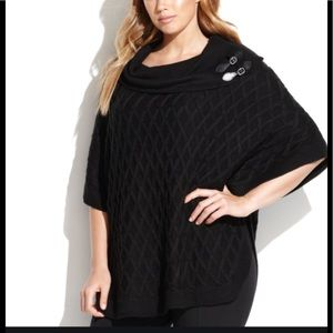 Beautiful Calvin Klein Cable Knit Sweater Cape❣️